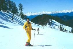 Auli Ice Skiing, Uttarakhand
